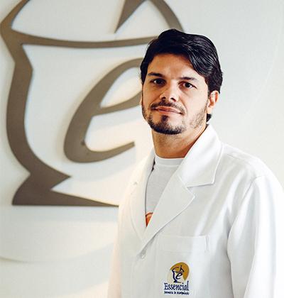 Dr. Daniel Maciel Asevedo